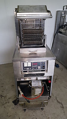 Henny Penny 581 Electric Pressure Fryer Chicken Cooker High Capacity Filtration