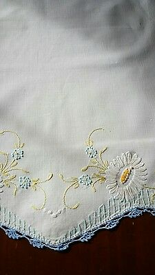 Embroidered Dresser Doilie Daisies Blue Crocheted Edges