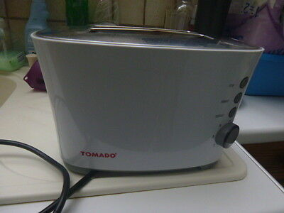 grille pain  toaster  Tomado
