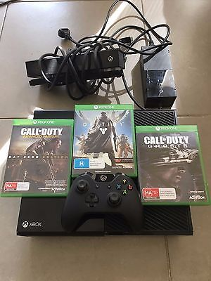 Microsoft Xbox One 500GB Console Bundle with: Controller + Kinect + 3 Games