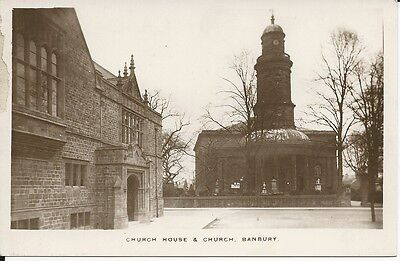 Vintage RP postcard of Church House and Church, Banbury, Oxfordshire