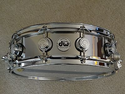 DW 4.5x14 Stainless Steel snare with chrome hardware