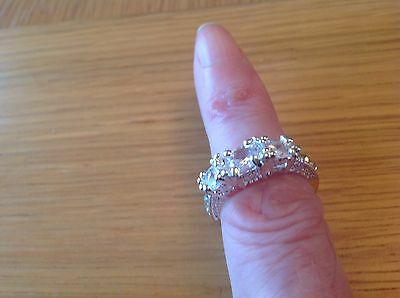A  Very Nice  Ladies ' 3 - stone'  Ring  Size P, beach Find