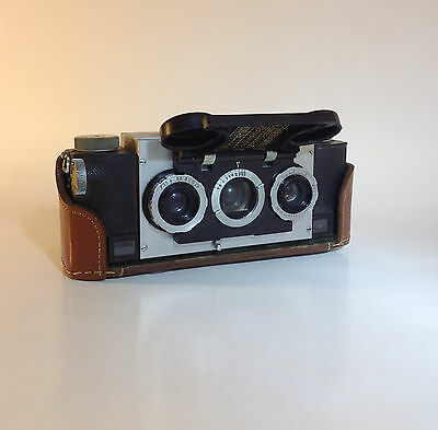 1947 Stereo Realist 1041 3D Camera, David White Company
