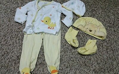 Unisex carter's  baby 6-9 months lot Disney winnie pooh hat booties set one size