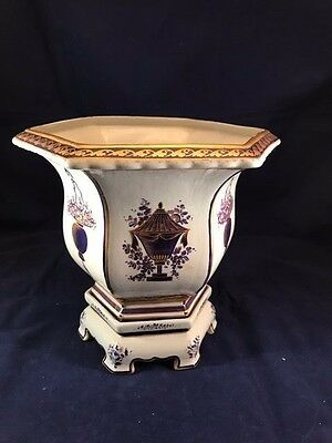 Mottahedeh Lowestoft Cache Pot Planter with Stand