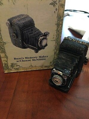 """Boyd's Bears Uncle Bens Treasure Boxes """"Buzz's Memory Maker"""" Resin Figurine"""