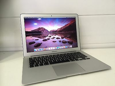 "APPLE MACBOOK AIR 13"" A1466 i5 8GB RAM FLASH DRIVE 256GB. AÑO 2016 (actual)"