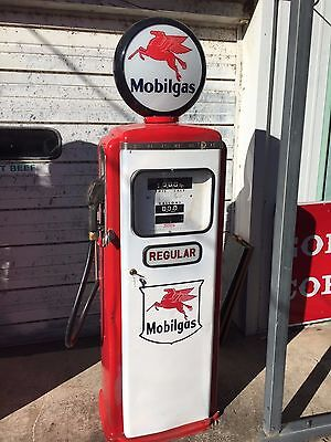 "Vintage MOBILGAS Mobil Tokheim Model 300 Electric ""Regular"" Gas Pump (2 of 2)"