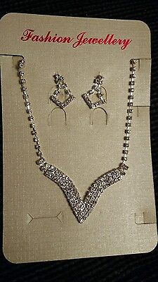 DIAMANTE CRYSTAL NECKLACE & EARRING JEWELLERY SET. Party Prom Wedding Formal UK
