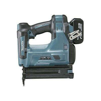 Makita DBN500RFE - Clavadora 18V Litio 3.0Ah 1,2mm