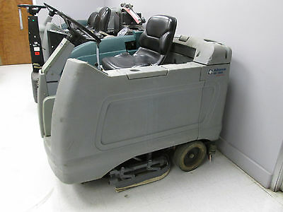 Advance HR 2800 Rider Floor Autoscrubber w/ New Batteries, etc.