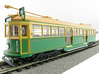 Cooee ELECTRIC POWERED W6 CLASS DIECAST MELBOURNE TRAM GREEN RATTLER NO 965 1:76