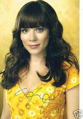 Anna Friel British Actress   Hand Signed real Photograph 12 x 9