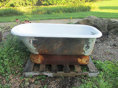 Antique Pedestal Bathtub