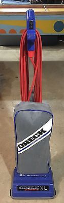 Oreck XL 2100RH Commercial Upright Bagged Vacuum Cleaner Carpet w/ Extras Bags