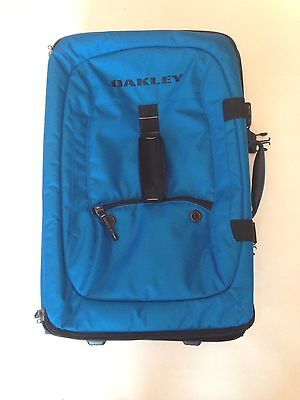 Oakley Carry On Small Roller Gear 2 Compartment Luggage Bag Ski Snowboard Blue