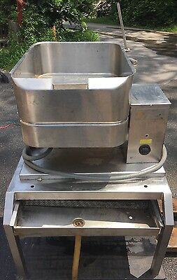GROEN 40 Quart Electric Countertop Tilting Skillet TD/FPC WITH STAINLESS STAND