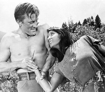 Kirk Douglas and Elsa Martinelli UNSIGNED photo - H5468 - The Indian Fighter