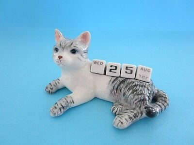 NEW CAT CALENDAR FIGURINE WITH DICES FOR THE DATE VERY NICE *Mint*