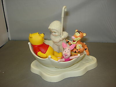 Snowbabies Blustery Day With Pooh 796019