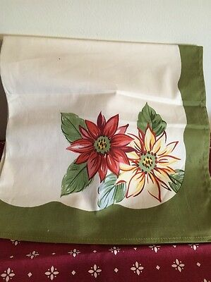 Longaberger Set of 2 Fabric Napkins- Sage/Cream Sunflowers