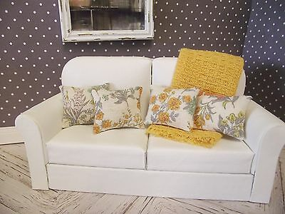Dolls House Miniature 1:12 Scale linen sofa scatter cushions set of 4 with throw
