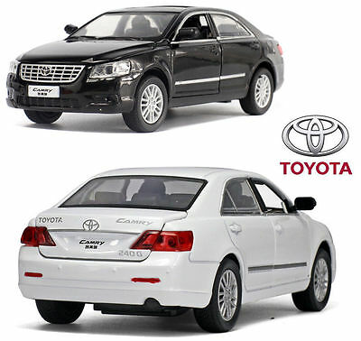 1:32 Toyota Camry Alloy Diecast Model Collection Decor Car Kids Boy Licensed Toy