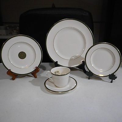 Royal Doulton Oxford Green 5 Piece Place Setting New