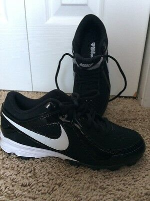 Nike Football Black and White Boys Shoes Size 2Y