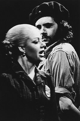 Elaine Page and David Essex UNSIGNED photo - H6130 - Evita