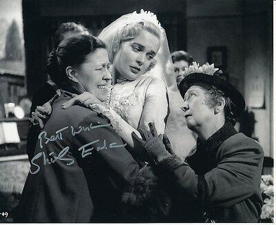 Shirley Eaton SIGNED photo - J1045 - Sailor Beware!
