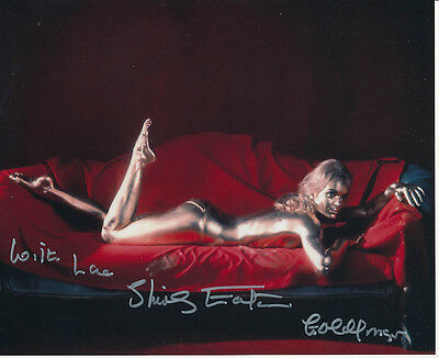 Shirley Eaton SIGNED photo - J1100 - James Bond - Goldfinger