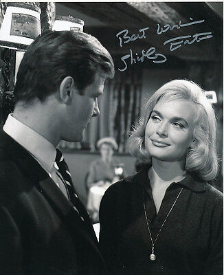 Shirley Eaton SIGNED photo - J1103 - The Saint