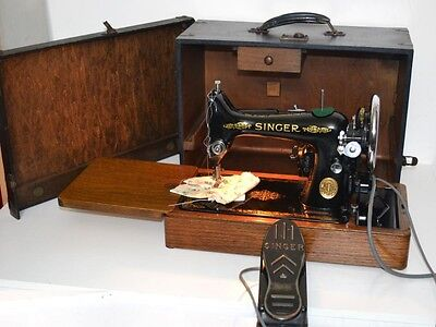 1930's Singer 99 Hand Crank Sewing Machine - FREE Shipping [PL3187]