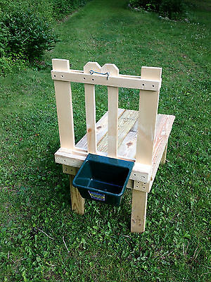 Goat Milking Stand With Feeder Dish