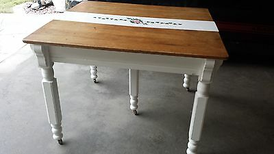 Antique Kitchen Table 5 leg
