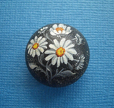 """Antique Domed Composition Stud Button, Hand Painted Daisies, 7/8"""" Nice!"""