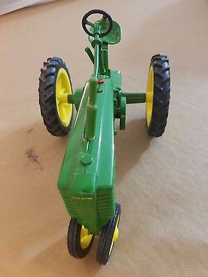 VINTAGE DIECAST JOHN DEERE TRACTOR TOY- YELLOW AND GREEN - Model H
