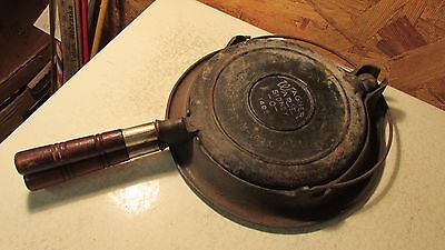 Antique 1408 Wagner Ware  Cast Iron Waffle Baker