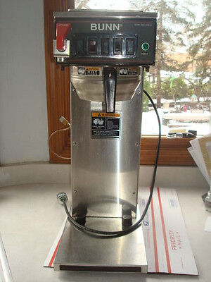 Clean Commercial Bunn Model CWTF15-APS 23001 0006 Coffee Maker w / basket
