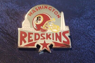WASHINGTON REDSKINS NFL metal pin badge - AMERICAN FOOTBALL