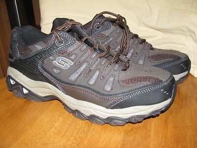 Mens Skechers Memory Foam Athletics shoes size US 8