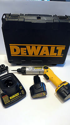 Dewalt 7.2V Heavy Duty Cordless Screwdriver Dw920 W/ 2 Batteries, Charger & Case