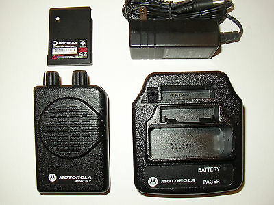 MOTOROLA MINITOR V 5 UHF BAND PAGERS 453-462 MHz 2-FREQUENCY NON-STORED VOICE