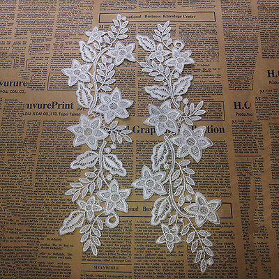 White Embroidered Lace Blossom Flower Patch Iron/Sew on Applique Water Soluble