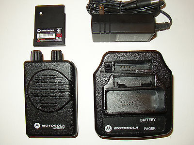 MOTOROLA MINITOR V 5 UHF BAND PAGERS 450-458 MHz 2-CHANNEL NON-STORED VOICE