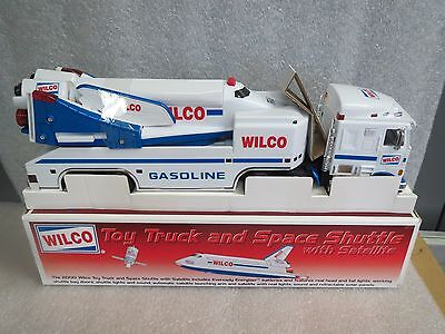 WILCO 2000 SPACE SHUTTLE and TRUCK with SATELLITE-NIB