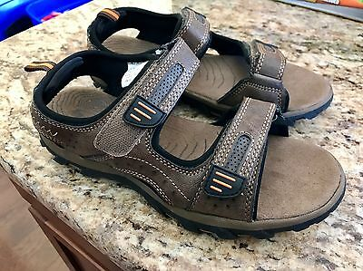 Boy's Brown Athletic Sandals Shoes Youth Size 4