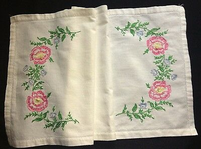 """Primitive Country Style Antique Hand Embroidered Runner 26"""" x 13 3/4"""" Drownwork"""